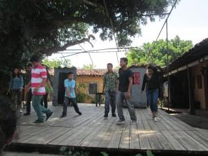 """""""Club de teatro"""" de Rancho Quemado presentando la obra """"Yo amo la vida"""""""